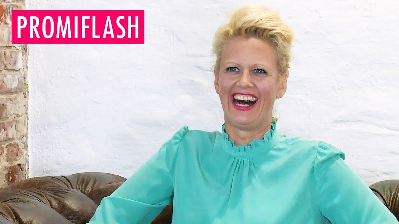 Barbara Schöneberger - Wäsche-Blitzer! Sie zeigt was sie