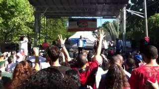 "Doug E. Fresh ""Let Me Clear My Throat"" (Bronx Week 2012)"