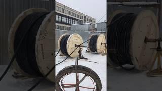 видео Прокладка кабеля в земле: разметка кабельной трассы