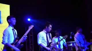 Jensen and the Flips - Is This Love (Live at Scout Summer Camp)