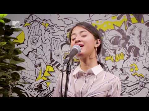 "Rahmania Astrini - ""It's Amazing"" (MTV Jammin')"