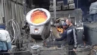 صب الحديد الزهر cast iron لعمل وصله مياه (ماسوره)