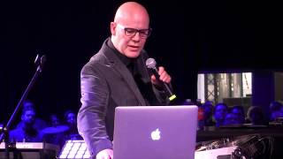 """Thomas Dolby Performs """"She Blinded Me With Science"""" Live  