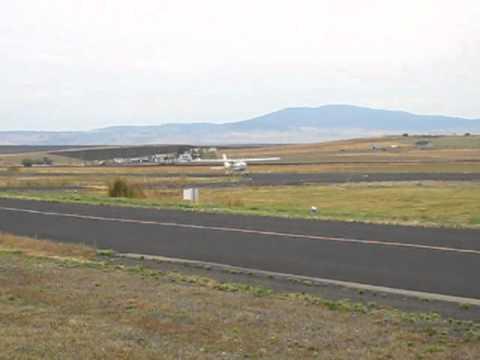 Cessna 177 Cardinal Landing