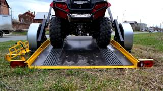 Легковой прицеп Quadro для перевозки квадроцикла от «Tilt & Load Trailers»(Уникальные прицепы от производителя. «Tilt & Load Trailers» Подробности на сайте: http://tltrailers.ru., 2014-12-26T16:03:26.000Z)