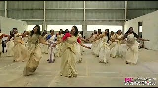 kuthu dance girls Otharupa Tharaen Tamil song