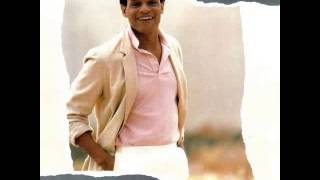 Watch Al Jarreau Easy video