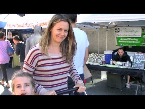 Alicia Silverstone Lovely With No Makeup With Son Bear Blu At The Farmers Market