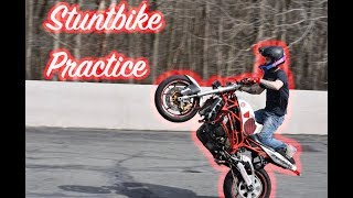 Learning to wheelie a stunt bike! ( my first time )