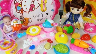 Baby Doll and Hello Kitty Kitchen Cooking table and food cooking surprise eggs toys play - 토이몽