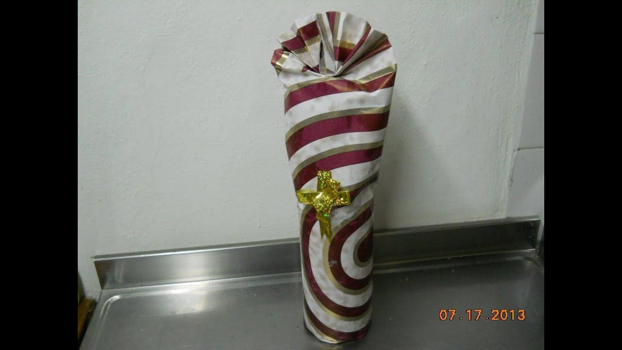 Como envolver una botella para regalo as to gift wrap a - Botellas de vidrio para regalo ...