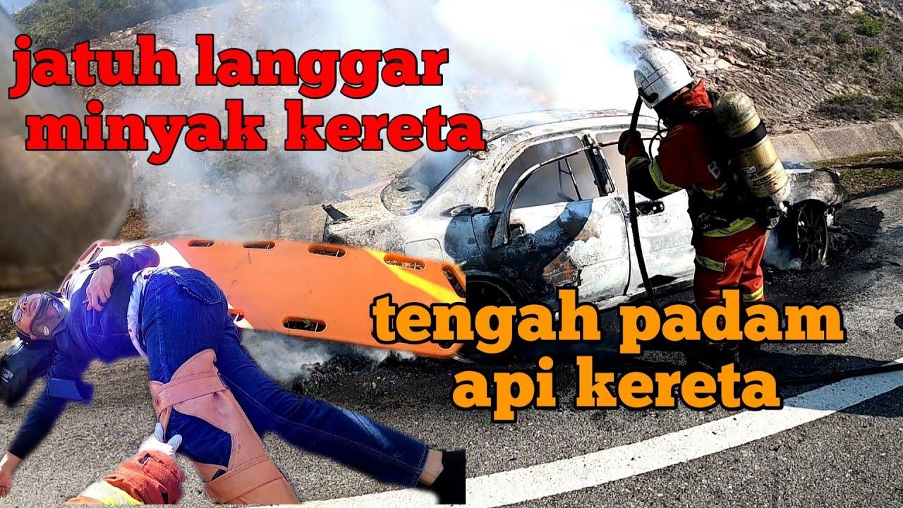 kemalangan semasa memadam api kereta | bang ada 2 orang jatuh moto !!