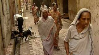 LIFE OF INDIAN WIDOWS OF VRINDAVAN BY MAITRI