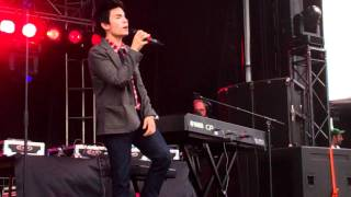 Sam Tsui-Love The Way You Lie MASHUP LIVE