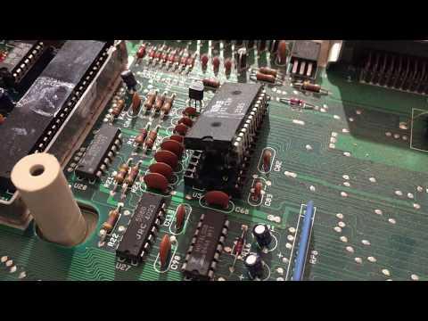 Commodore - Episode 205 - SCREWDRIVER SID CHIP REMOVAL - David Bradley - C64 C-64 C128 C-128  6581