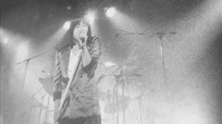 甲斐バンドが現役バリバリの頃にカバーした小林旭さんの曲.