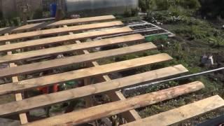 видео Крыша для сарая своими руками: односкатная и двухскатная, фото