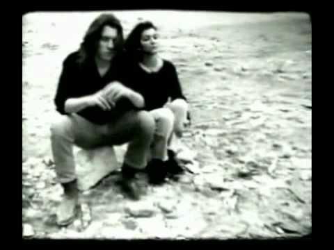 Μία Ημέρα Στη Ζωή Δύο Ναυαγών (Ελληνική Ροκ Ταινία) Hqdefault