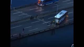 Bắn hạ kẻ cướp xe buýt ở Brazil (VOA)