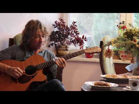 HOW TO USE A FURCH GUITAR (In a Kitchen)