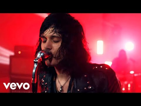 Tyler Bryant & The Shakedown - Backfire