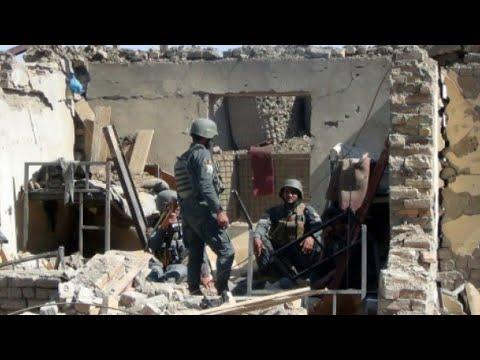 أفغانستان: مقتل 32 شخصا على الأقل وإصابة العشرات في هجوم على مجمع للشرطة  - نشر قبل 3 ساعة