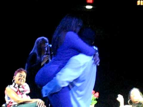 Keith Sweat pulls a Dime from the Audience & breaks her down