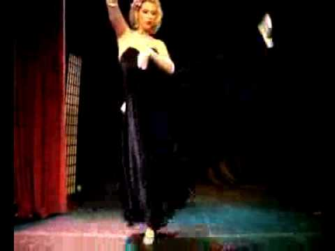 Roxy Ruby - Moondance