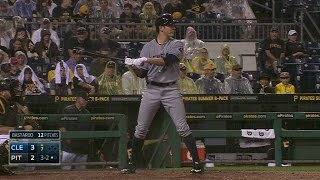 CLE@PIT: Bauer uses his teammates' batting stances