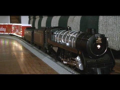 Royal Holiday: MTH Royal Hudson CP 2860 pulls the Canadian Pacific Holiday Train