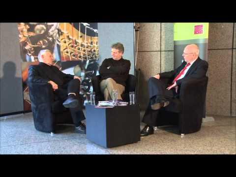 Dr. Ressmann im Gespräch mit Hansgünther Heyme und Karlheinz Steffens