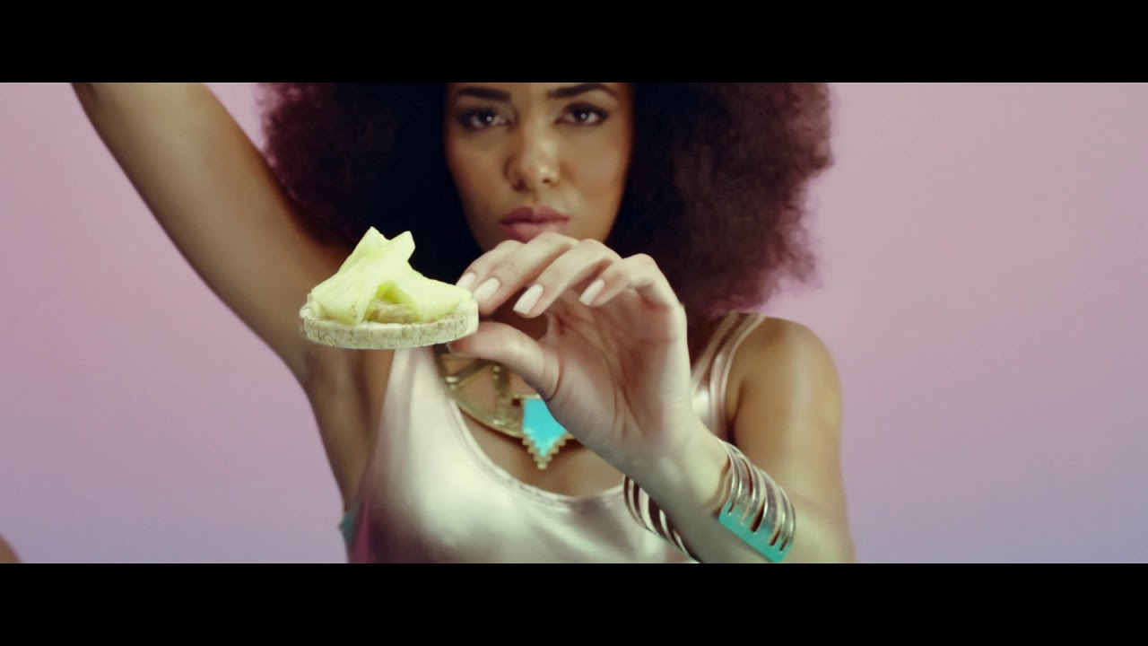 Rice Up Film Advert By the Smarts: Brown Rice Cakes | Ads of the World™