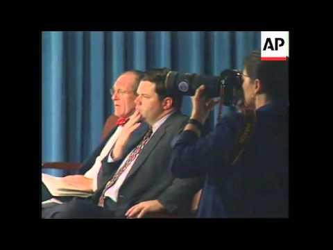 USA: US DEFENCE SECRETARY WILLIAM COHEN PRESS CONFERENCE
