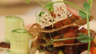 Тартар из тунца с авокадо и устричной заправкой. Рецепт от шеф-повара.