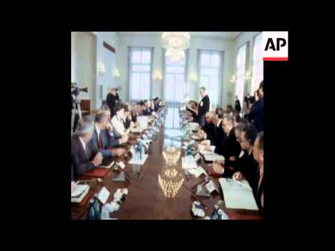 SYND 6 2 79 TOP US AND USSR SCIENTISTS MEET