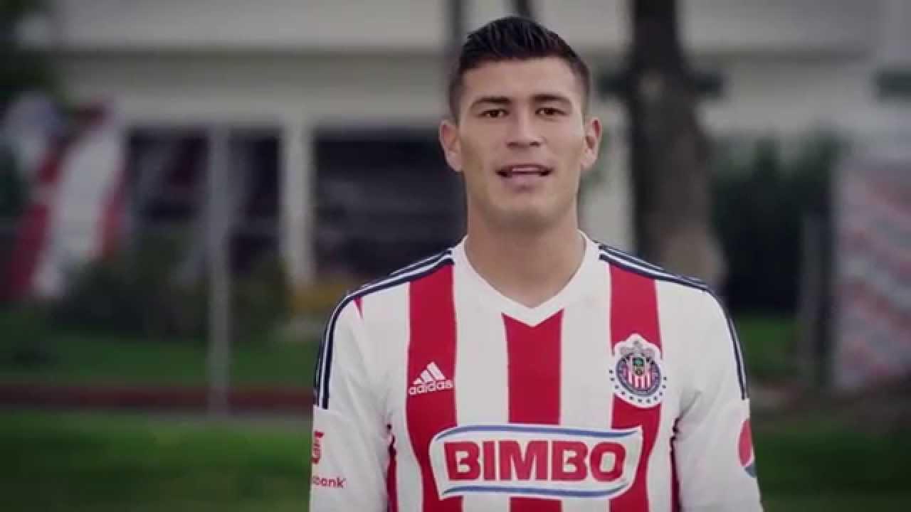 """Video """"Chatón"""" Enríquez Nuevo Jersey Local De Chivas 2014 ..."""