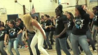 """BEYONCE Surprises students @ PS161 """"Let's Move"""" Flash Workout"""