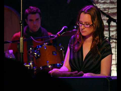 Piano backing (karaoke) for Ingrid Michaelson's 'I Can't Help Falling In Love'
