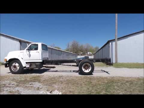 1998 Ford F800 truck cab and chassis for sale | no-reserve Internet auction May 25, 2017