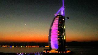 Burj Al Arab   im Farbenspiel - 4k FZ1000 - Autofocus