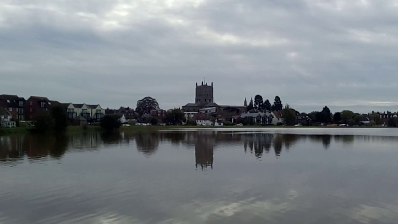 Download Severn Ham over streaming in Tewkesbury.  Flooding between the River Avon and River Severn.