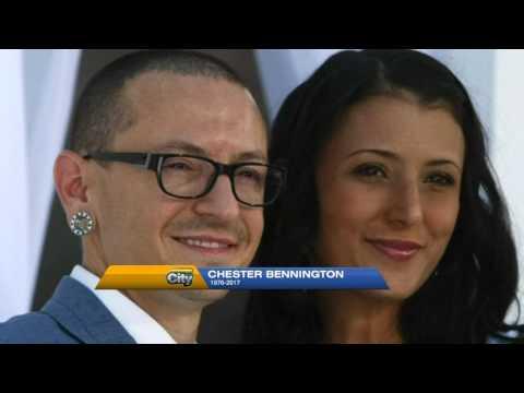 Fans mourn Linkin Park singer Chester Bennington