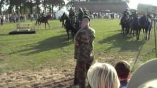 Market-Garden-Commemoration050 Ginkel heath, classic field artillery, gun shots