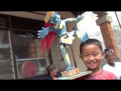 Bali: Ogoh Ogoh, Barong and the kids by Hans & Fifi