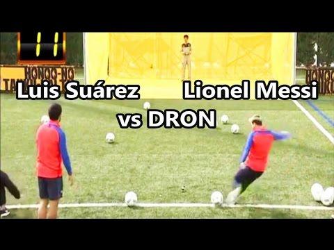 Lionel Messi y Luis Suárez se enfrentan a un Dron   Fútbol Social