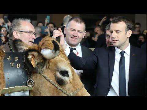 احتجاجات المزارعين تخيم على زيارة ماكرون للمعرض الدولي للزراعة في باريس