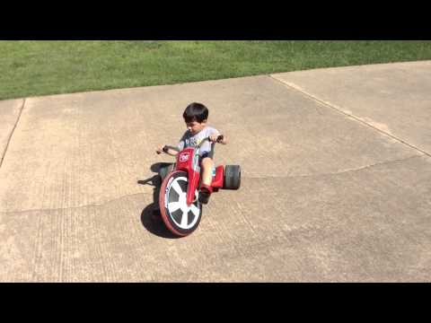 Spin-out Radio Flyer Big-wheel