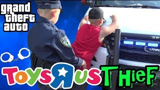 COPS AND ROBBERS - KID ROBS TOYS R US !!! POLICE CHASE !!! - GTA - COP KIDS PATROL