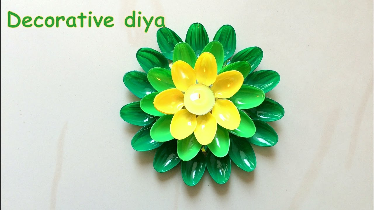 Diy how to decorate candle holder for christmas for Candle decoration with waste material