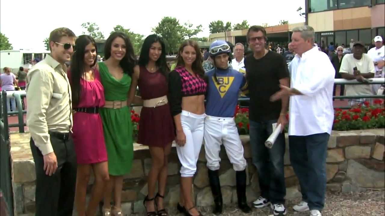 Mike, Vince & the Royal Flush Girls Go Horse Racing at Parx Casino